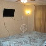 355 N Hickory Ln B room2